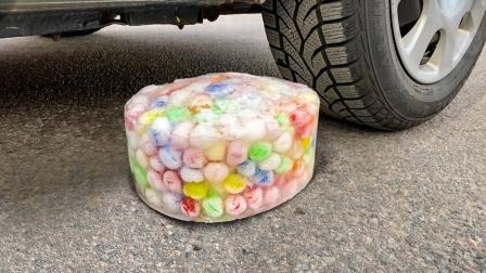 解压实验室:驾车粉碎松软的东西! 实验汽车vs冰!