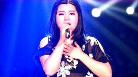 曾靠卖豆腐为生,毕福剑带她一曲成名,老毕落魄后她送105万!