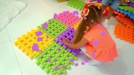 萌宝小可爱和哥哥玩积木游戏,好开心