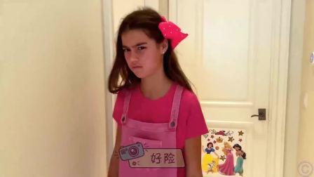 萌宝小可爱:萌娃用姐姐的化妆盒化妆,好搞笑
