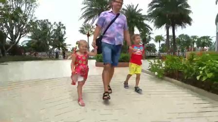 萌宝小可爱:萌娃和爸爸去兜风,好开心