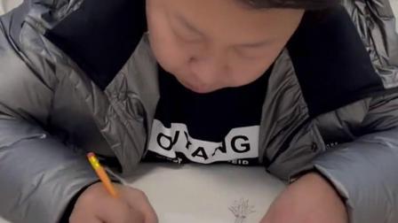 童趣:孩子把画弄坏了,爸爸再画一个,你觉得怎么样?