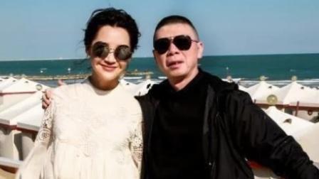 51岁许晴风韵犹存,与冯小刚关系被扒,网友:这信息量有点大