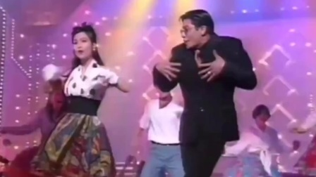 经典粤语歌曲《护花使者》周慧敏与郭富城同台热舞,嗨翻全场