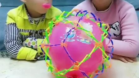 趣味童年:姐姐的牙齿掉进气球里了
