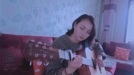 家庭主妇自学吉他没想到弹的这么好,交成绩弹唱《滴答》超好听!