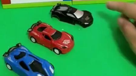 小汽车要出去玩,发现自己的轮子不见了,跑到哪里去了
