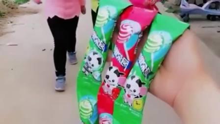 趣味生活:妈妈给宝贝买的阿尔卑斯棒棒糖