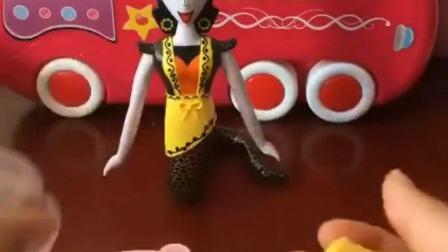 蛇精要下厨做饭啦,她想要包饺子,饺子做的怎么样