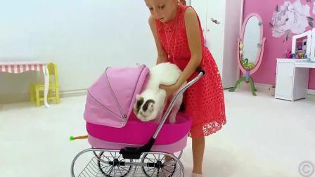 小猫咪不和小萝莉玩,看看小兔子喜不喜欢和她玩