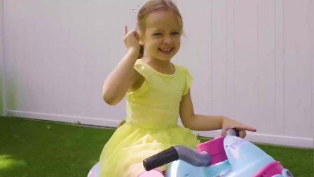萌宝小可爱:小萝莉争着要娃娃玩具