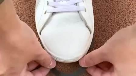 好物推荐:冬季出行防滑穿上这个鞋套子,再也不怕摔跤了!