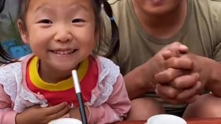 趣味生活:小妹妹想吃棒棒糖