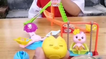 童年亲子:好灵巧的小玩具,丫丫玩的可高兴了