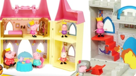 太厉害了吧,小猪佩奇如何搭建家庭式城堡?
