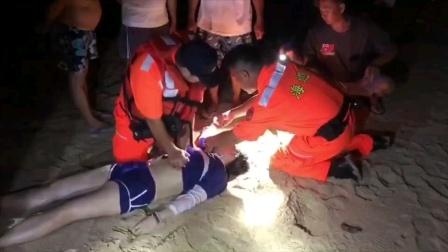 台湾美女潜水溺水,接受救生员心肺复苏!