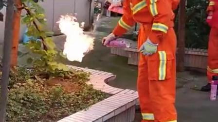 无所不能的消防员,太让人佩服了
