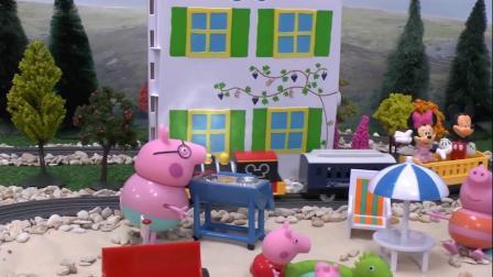 小猪一家在沙滩上面做烧烤吃,同时也邀请米老鼠来做客