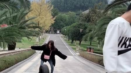 说出来你可能不信,我被一个轮胎追了一下午