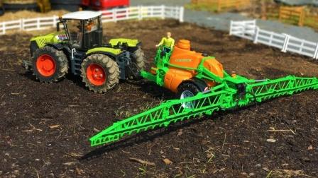 拖拉机在农场耕作