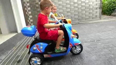 萌宝小可爱:萌娃们开着小摩托去动物园