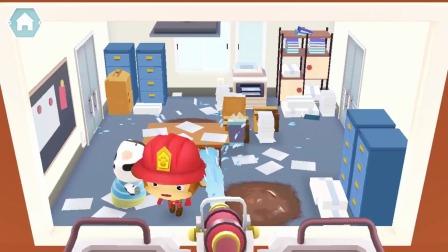 熊猫消防队:小猴子真是勇敢!