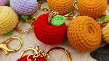 糖糖手作(第162集)手工毛线编织  小苹果·挂件视频教程