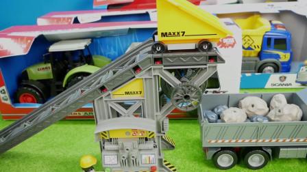 挖掘机和货车真是工地的好帮手