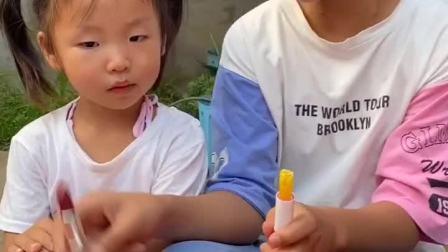 童年趣事:姐姐这是口红,不是口红糖