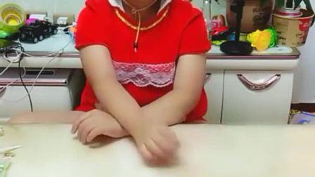 童年趣事:宝贝想吃糖葫芦,妈妈给你做一串