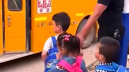 亲子游戏:萌娃开始上幼儿园