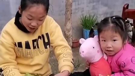 童年趣事:今天买的猪蹄怎么一股子臭脚味呢