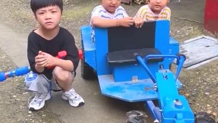 童年趣事:凯凯的拖拉机,又能开咯!