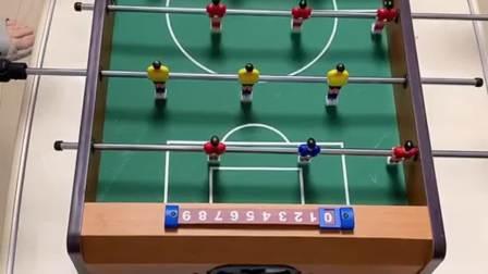一直感觉桌上足球会很难玩,没想到越玩越有意思