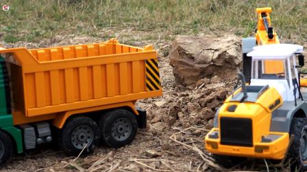 惯性工程车施工铺路,自卸车装载车挖掘机卡车运输泥土,儿童玩具