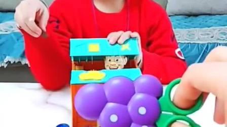 童年趣事:小屋里的光头强,想要什么呢?