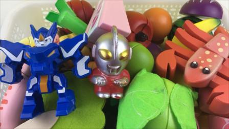 超变武兽和奥特曼一起玩切水果