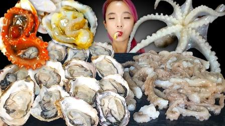 """韩国著名的""""昏倒章鱼""""真是考验胆量啊,生蚝和章鱼选哪个呢"""