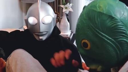 奥特曼与鱼头怪打架谁会赢呢?