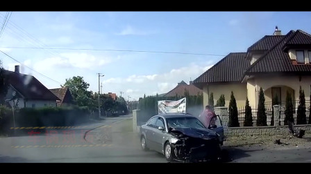 车祸现场#0021期:两辆满载人的大巴相撞,想想都害怕
