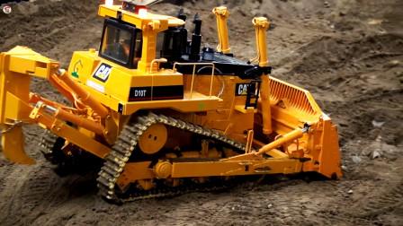 遥控工程车施工,平板卡车运输推土机和压路车,翻斗车挖掘机运输泥土