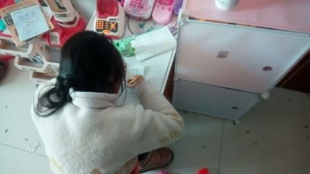小朋友写作业
