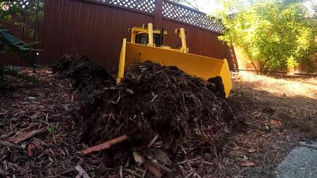 遥控工程车,黄色推土机清理废墟,绿色挖掘机挖泥土除草真棒