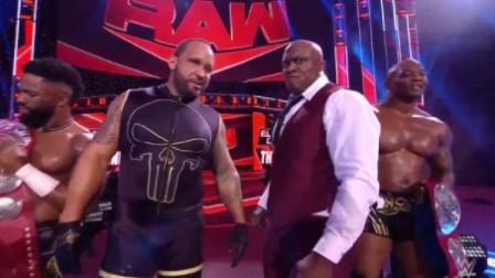 WWE RAW1447期回放:光脚哥遭痛扁企业暴揍 麦金泰尔砍刀脚送走AJ