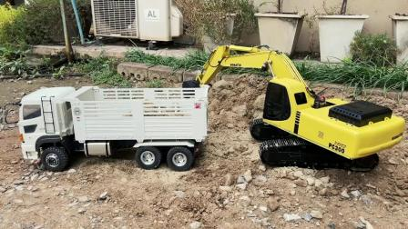 户外演示仿真遥控挖掘机给自卸车装沙土,儿童车辆玩具