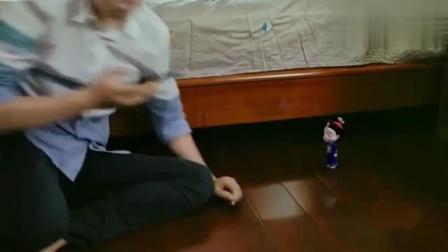 僵小鱼:大骗纸会被塞沙发缝!粑粑你是在挑衅小鱼吗