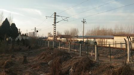 火车视频 87612莱芜东7道发车