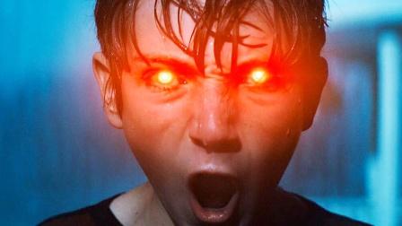 暗黑版超人降临地球,一发怒就喷射5000度的射线!