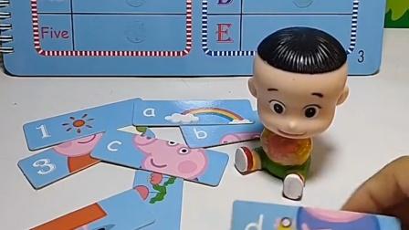 大头帮佩奇乔治拼照片,小绿人抢了佩奇的照片