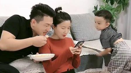 宝宝:想让我吃狗粮,那是不可能的!